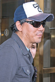 https://upload.wikimedia.org/wikipedia/commons/thumb/4/48/KimJiwoon08TIFF.jpg/220px-KimJiwoon08TIFF.jpg