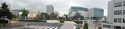 https://upload.wikimedia.org/wikipedia/commons/thumb/b/b3/PNU_Busan_campus_1.JPG/400px-PNU_Busan_campus_1.JPG